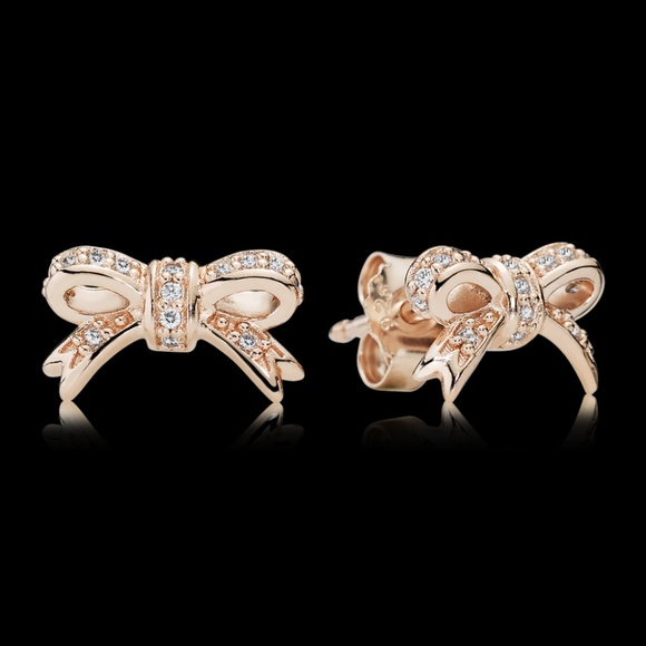 274649a1c Pandora Sparkling Bow Stud Earrings Rose Gold. M_5af9f2823afbbdd564740742
